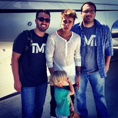 Hasta Justin Bieber tiene su parte adorable activando el modo 'hermano mayor'