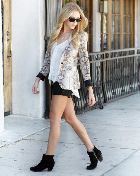 Shea Marine Zara