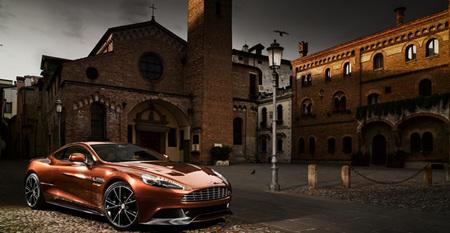 ¿Motores de tres y cuatro cilindros en un Aston Martin?
