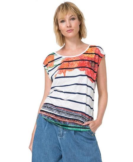 Por sólo 17,95 euros podemos hacernos con la  camiseta para mujer Macarena de Desigual en Amazon