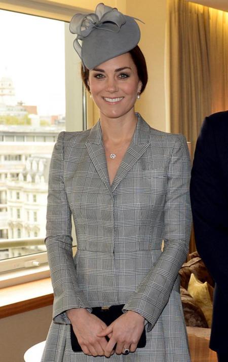 La reaparición de Kate Middleton: reina de la elegancia premamá con un McQueen