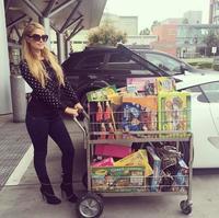 Diciembre es un mes solidario: Paris Hilton o Victoria Beckham han sido de las primeras