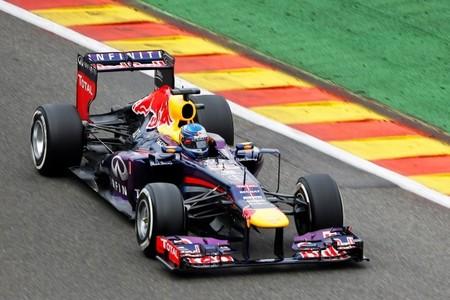 Un Sebastian Vettel muy superior frena la remontada de Fernado Alonso