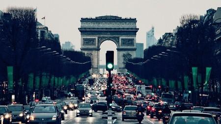 La Comisión Europea alerta de que obligar a reducir las emisiones más de un 30% destruirá miles de empleos
