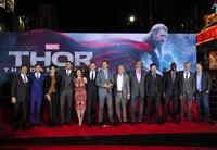 Una de guapas y buenorros en la premiere americana de Thor
