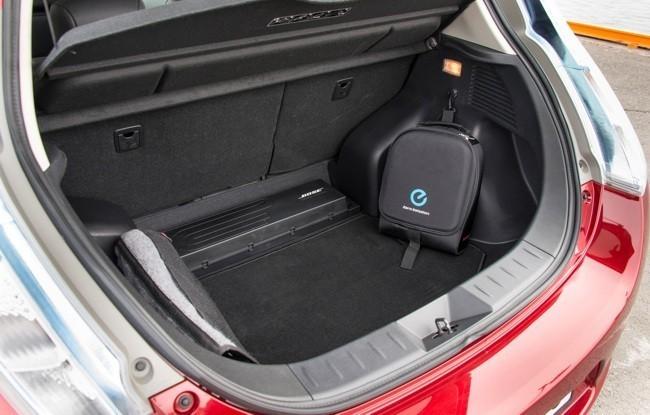 Nissan LEAF 2013 maletero 02