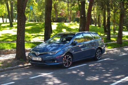 Probamos el nuevo Toyota Auris Touring Sports 115D: interior y equipamiento