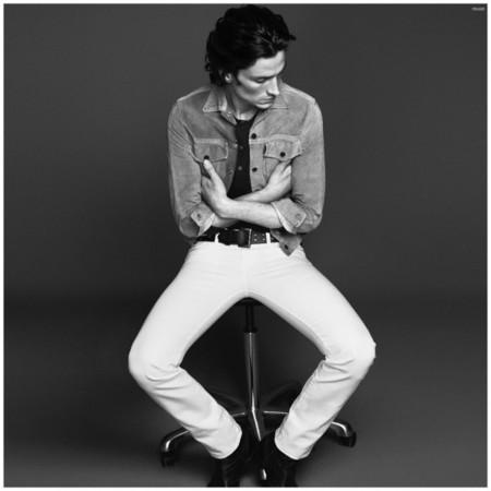 El sábado es el día ideal para llevar unos pantalones blancos