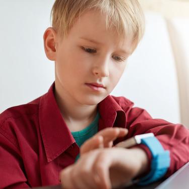 Relojes inteligentes para niños: elemento de seguridad para unos, tecnología innecesaria para otros
