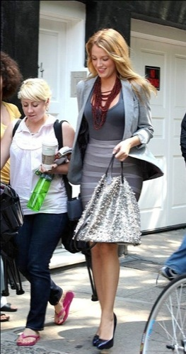 Dos estilos dentro del rodaje de Gossip Girl: Blake Lively Vs. Hilary Duff