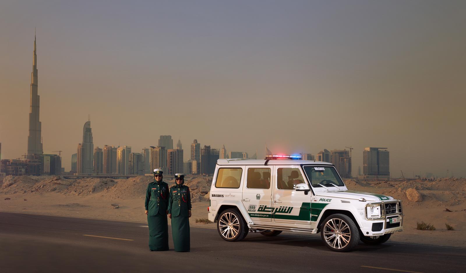 Foto de Brabus B63S–700 Widestar Policía Dubái (28/30)