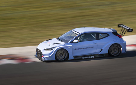 Hyundai Motorsport pone a prueba a su primer eléctrico de competencia: Veloster N ETRC