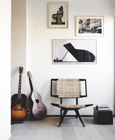 Guitarras para decorar el dormitorio