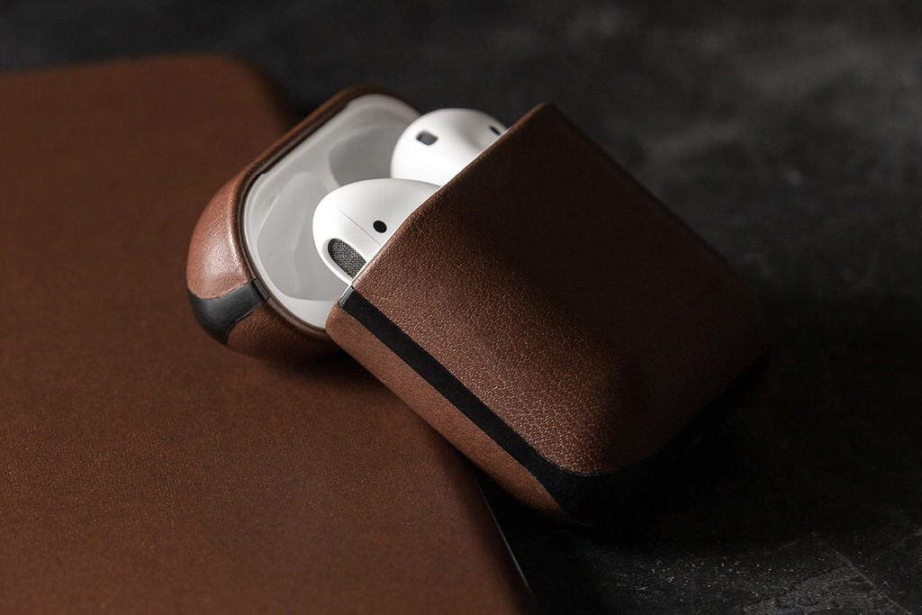 NOMAD Rugged Case para AirPods: la nueva funda de cuero que protege con estilo tus auriculares