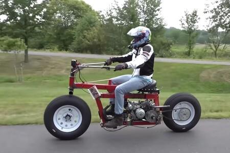 Alguien ha hecho una moto con piezas de bricolaje, y el resultado es totalmente absurdo pero funciona