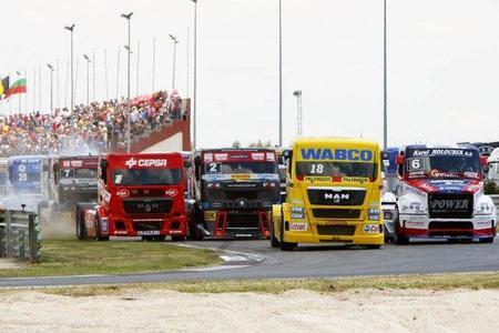 Jochen Hahn se afianza como líder en el Campeonato de Europa de Carreras de Camiones