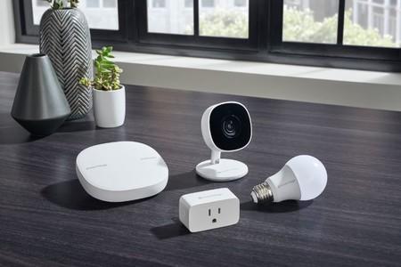 Samsung quiere conquistar el hogar conectado y anuncia nuevos dispositivos: una bombilla, una cámara IP y un enchufe conectado