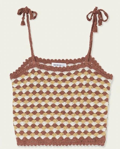 Top de mujer bordado en crochet de Brownie