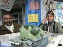 Un teléfono móvil por 40 euros para países pobres