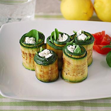 Rollitos de calabacín rellenos de espinacas y queso de cabra: receta fácil y saludable