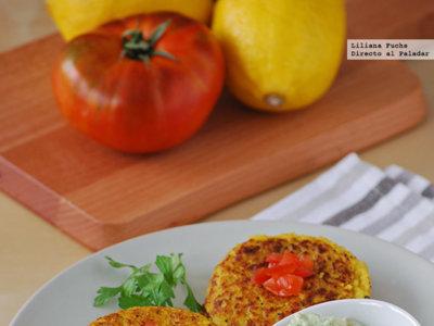 Medallones de polenta con salsa de aguacate y yogur