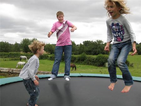 La práctica de ejercicio físico en niños contribuye a la prevención y el tratamiento de diferentes enfermedades y alteraciones