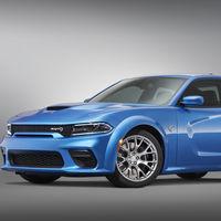 El nuevo Dodge Charger SRT Hellcat Widebody Daytona 50 Anniversary es una fiera pintada de azul y 717 hp