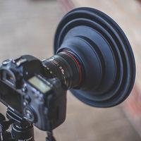 """The Ultimate Lens Hood, un """"parasol gigante"""" para todo tipo de cámaras que promete acabar con los reflejos de las ventanas"""