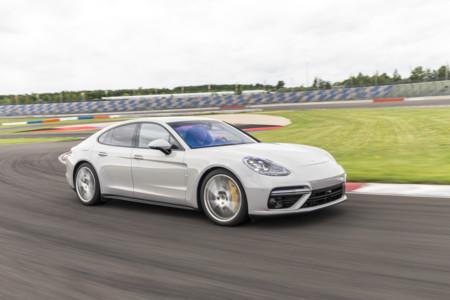 Porsche Panamera 2017 495
