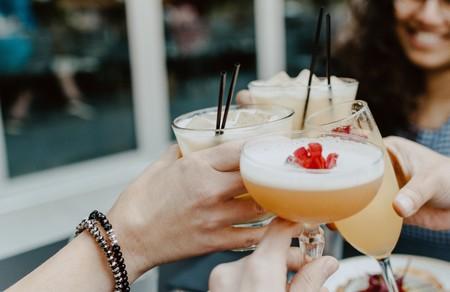 Cinco cócteles sin alcohol, sanos y refrescantes: recetas y accesorios para prepararlos