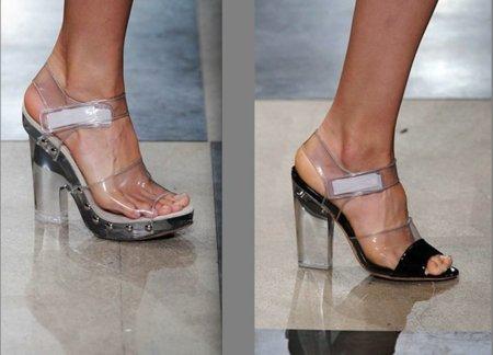 Duelo de estilos: sandalias Prada, ¿Gala González o Chiara Ferragni?