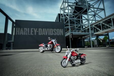 Esta Harley-Davidson Fat Boy de LEGO con 1.023 piezas será el mejor pasatiempo veraniego