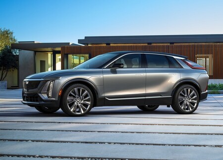 Cadillac Lyriq 2023: tan sorprendente como el concepto y con los mejores lujos para el primer Cadillac eléctrico