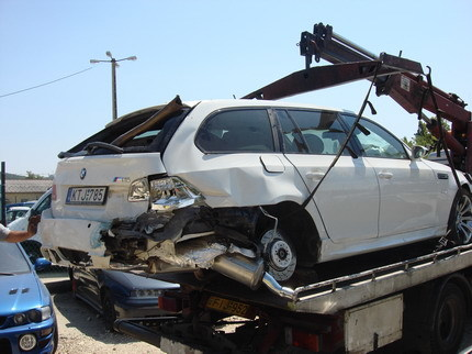 BMW M5 Touring pinchazo accidente