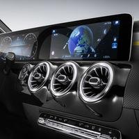 El nuevo interior del Mercedes-Benz Clase A pone en duda al del Clase S, es un mundo bizarro