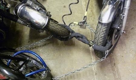 Si no candas tu moto, robarla es cuestión de minutos