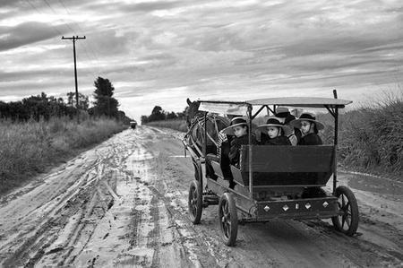 La curiosa comunidad Mennonita de centroeuropeos en Paraguay a través del objetivo de Miguel Bergasa