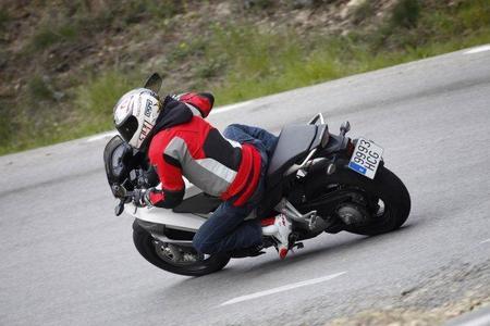 Honda Crossrunner en acción 4