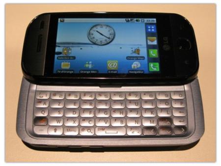 LG GW620, Android con interfaz personalizada S-Class 3D