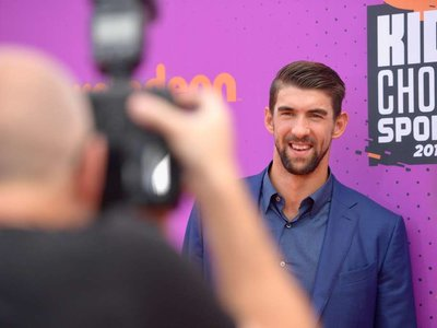 ¿Es Michael Phelps el nuevo ex-deportista mejor vestido? Quizá sí, porque su estilo nos encanta