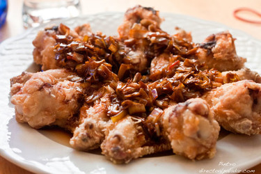 Receta de alitas de pollo con salsa de puerros