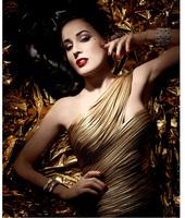 Llega la colección más glam y navideña de Dita Von Teese