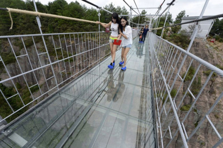 Worlds Longest Glass Bridge Shiniuzhai Geopark China 02
