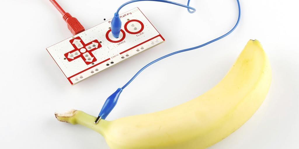 Makey Makey nos permite conectar nuestro mundo a internet