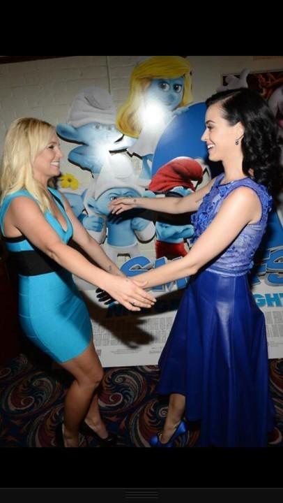 Katy Perry y Britney Spears juntas por una causa muy azul