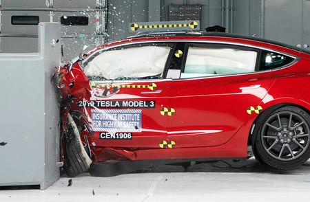 El Tesla Model 3 obtiene la máxima puntuación en seguridad en las pruebas del IIHS