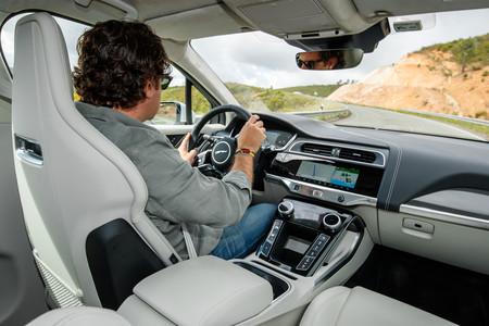 Jaguar I-PACE conducción