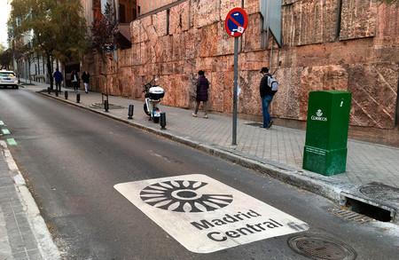 Así es el primer balance de Madrid Central: menos coches y más usuarios de transporte público