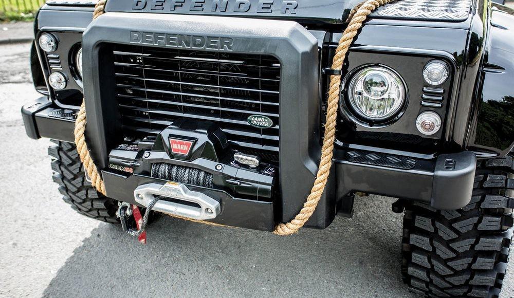 Foto de Land Rover Defender SVX (7/10)