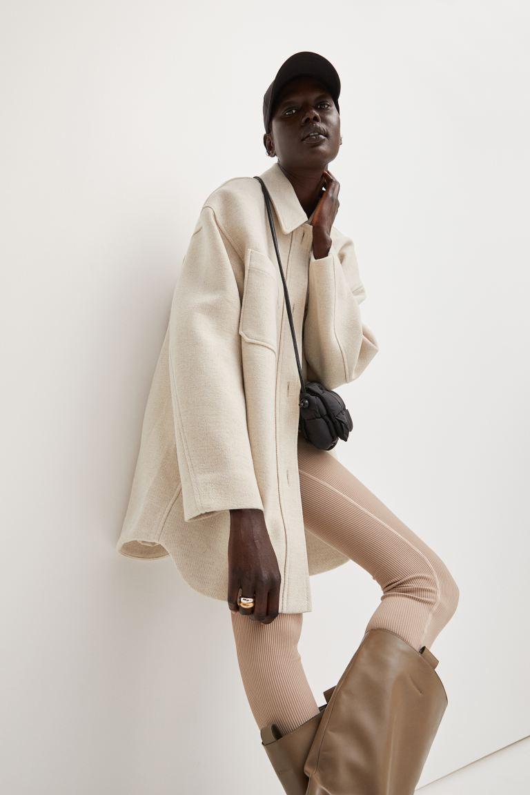 Chaqueta camisera oversize de H&M